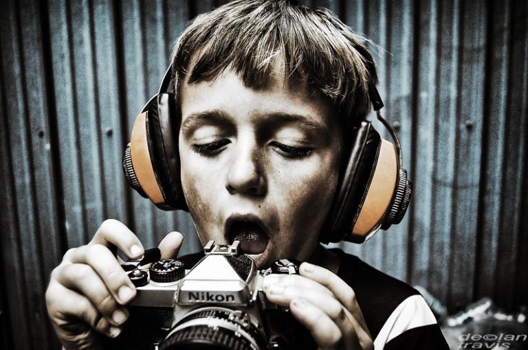 nikon-camera-boy-color-04