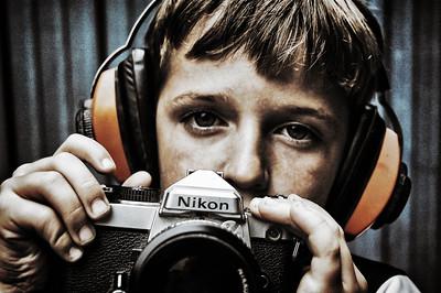 nikon-camera-boy-color-06